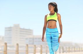Fitnesskleidung & Sportartikel